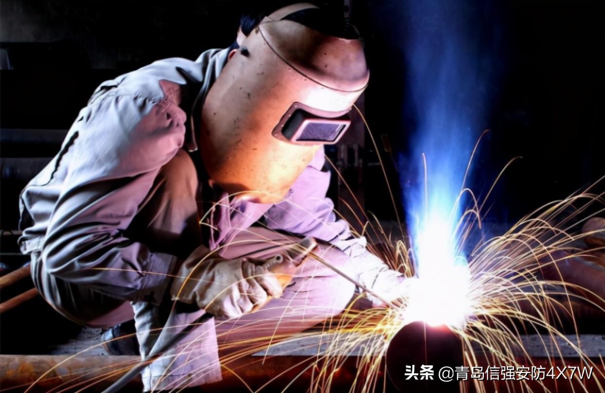 电焊车间里,最常使用的劳保防护用品有哪些?(内附批发价)