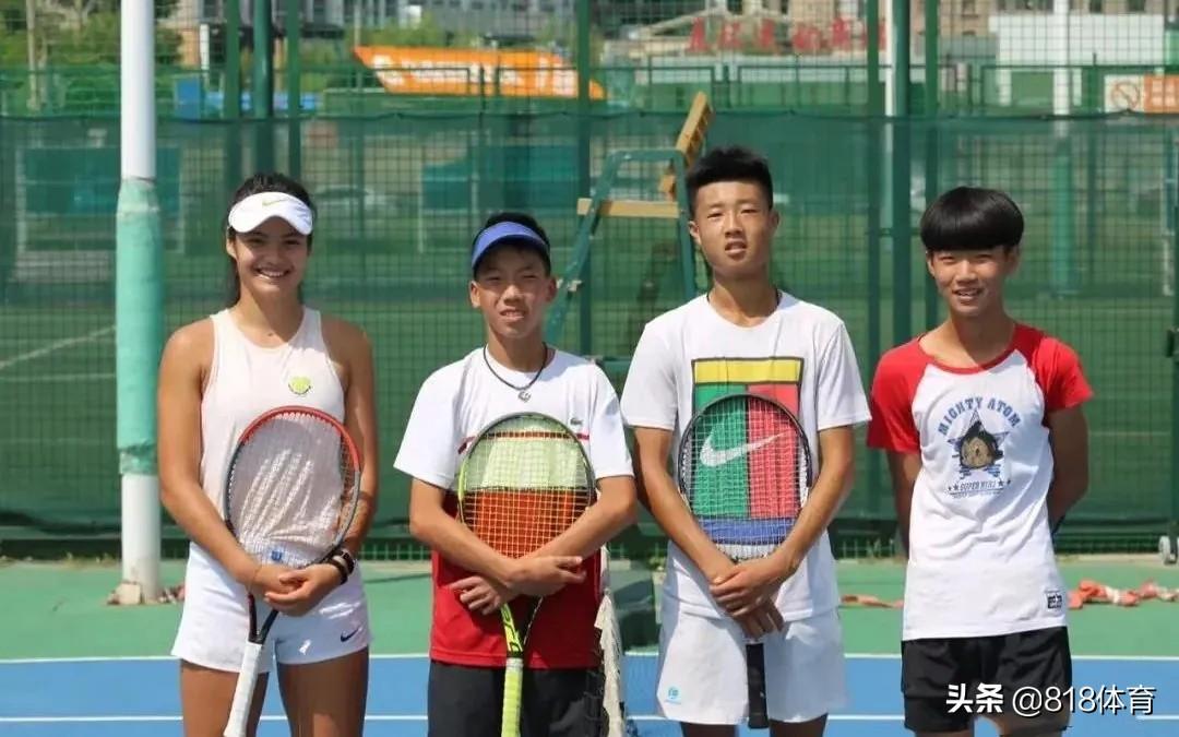 大碴子味!18岁华裔美网冠军拉杜卡努秀中文,沈阳姥姥带大说东北话
