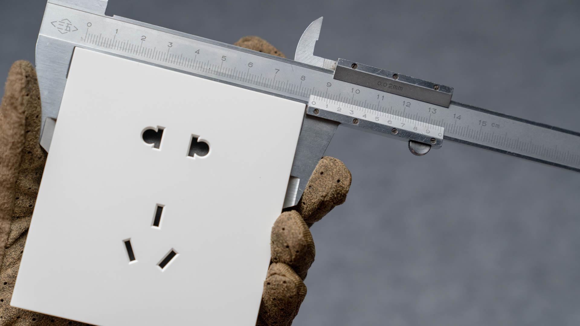 恭喜你,在装修前看到了这篇开关插座大比拼,五款一线品牌哪家强