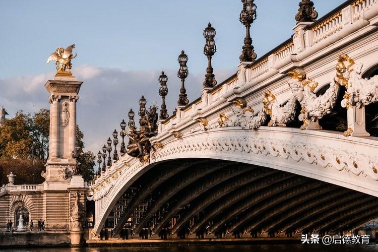 法国留学:除了巴黎大学,免学费的公立院校都有哪些?
