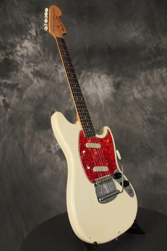 新手该如何选择和购买吉他之电吉他篇 (一)