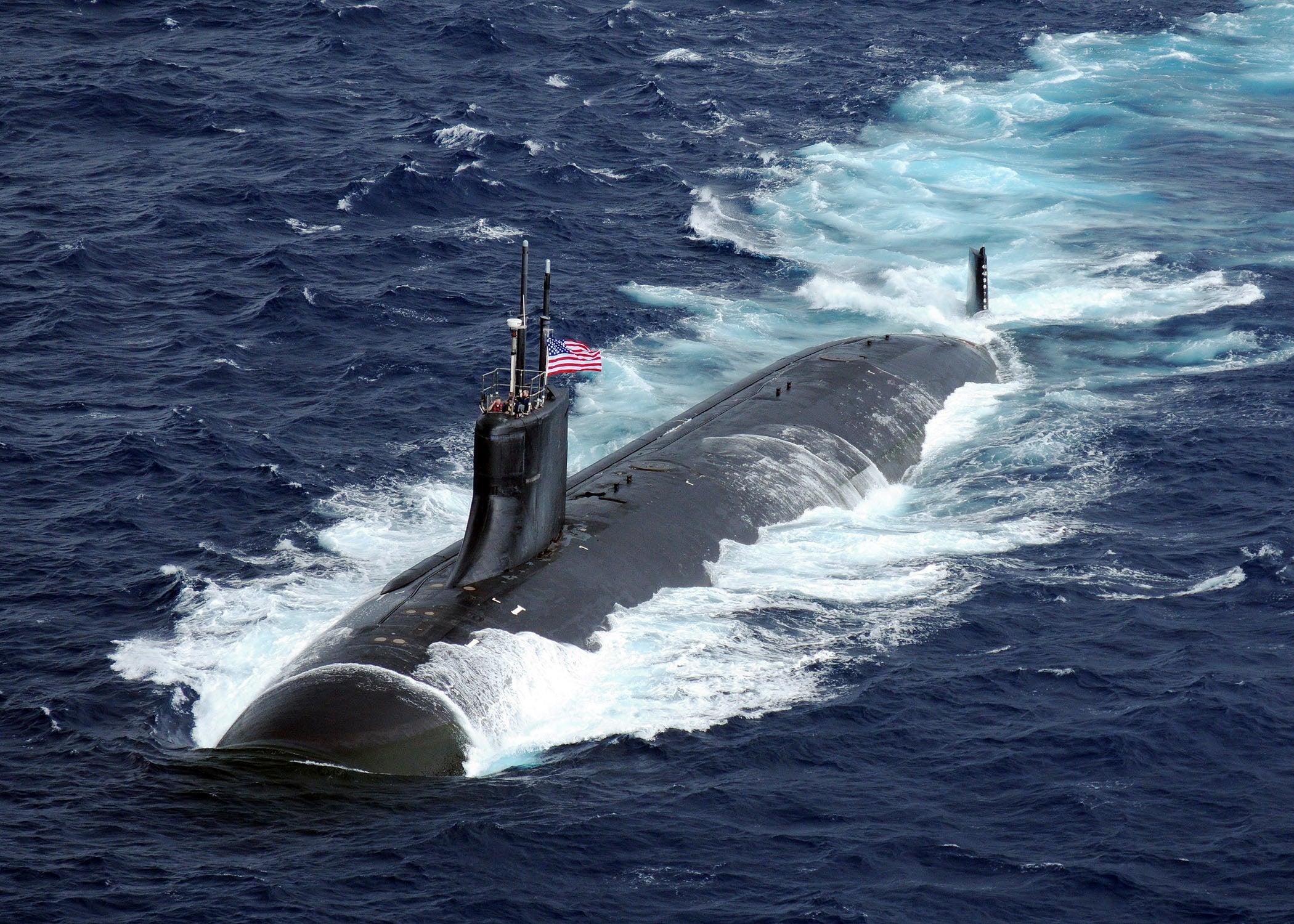 美军潜艇在南海发生撞击事故!撞了什么居然还不知道,稀里糊涂