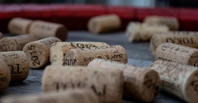 葡萄酒开瓶器有哪几种(常见的葡萄酒开瓶器)